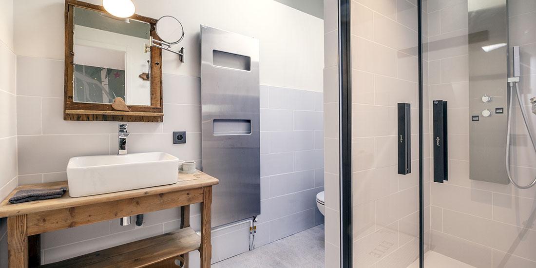 Suite Elie avec salle de bain privative et douche à l'italienne