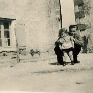 Ancienne photo père et fille Le Pas des Eaux à Angoulins