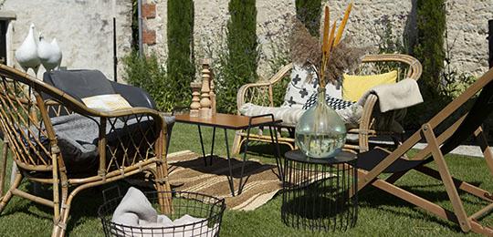 salon de jardin extérieur maison d'hôte à Angoulins